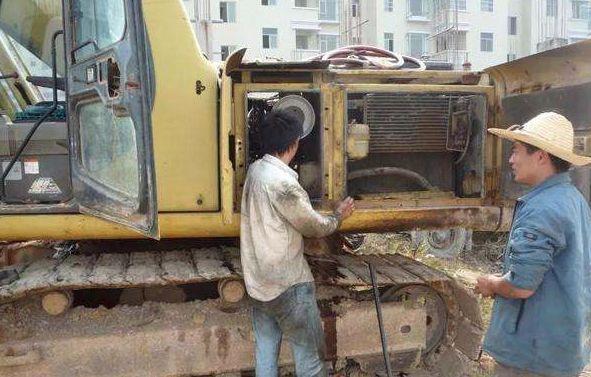 挖掘机维修_挖掘机修理_西南最大最专业的... _顺丰挖掘机维修厂