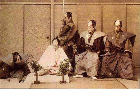 日本切腹方式了解多少?扇子切、十文字切,介错人方式好瘆人