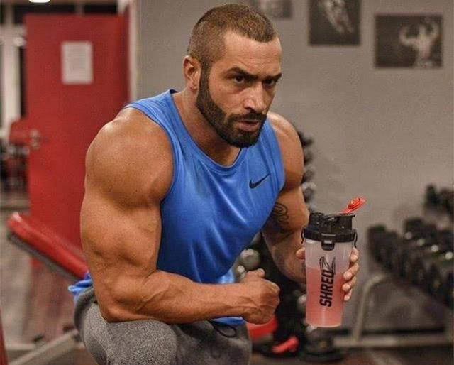 在健身房怎么练?29个 二头肌、三头肌锻炼动作(附肌肉图解)