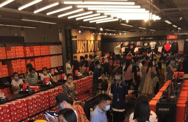 鞋圈寒冬:Nike宣布裁员,3个月亏损55亿
