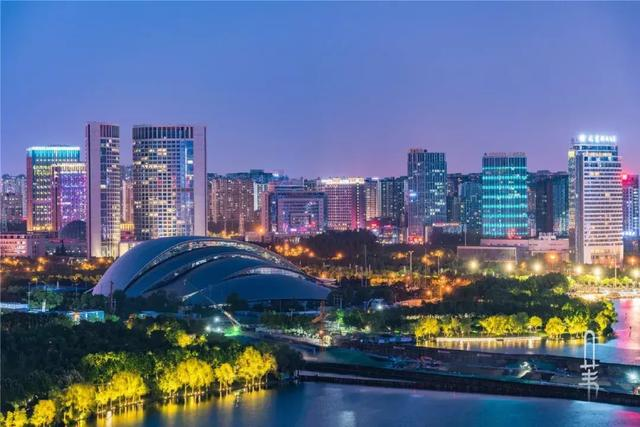 合肥夜景街景图片