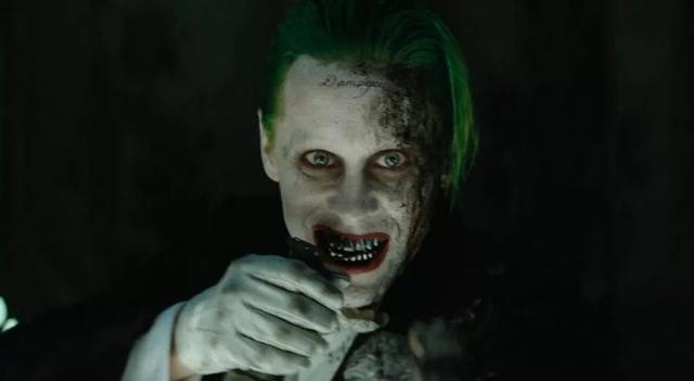 自杀小队小丑图片霸气
