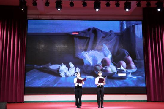 """八维教育上海宏烨校区举办第四届""""超级演说家""""总决赛"""