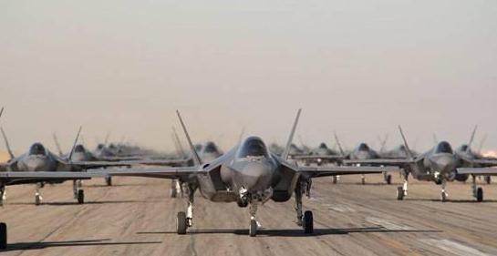 中美空军实力差距多大?张召忠:不要被宣传误导了,警告十分中肯
