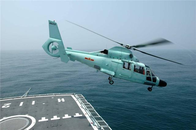 改进型052D首舰入列后首次公开亮相,直-20上舰指日可待?