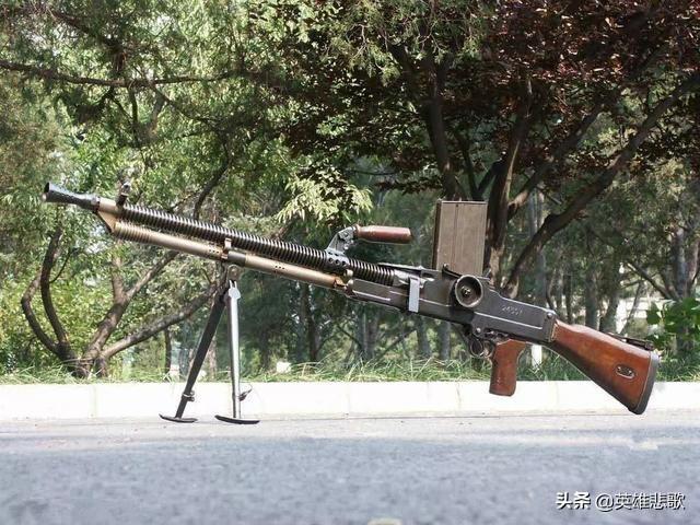 捷克式轻机枪怎么瞄准