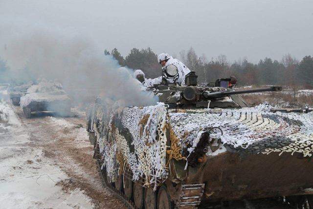 领土比中国还大,仅有6万军队保卫国家,美俄两国绝不动手