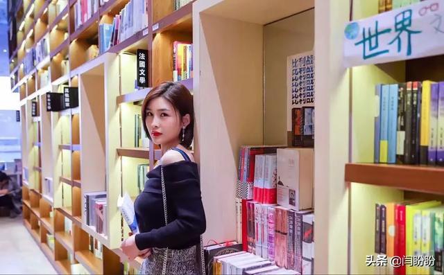 闫盼盼福利无圣光全套 不习惯看你穿衣服的样子(2)_YY粉丝网