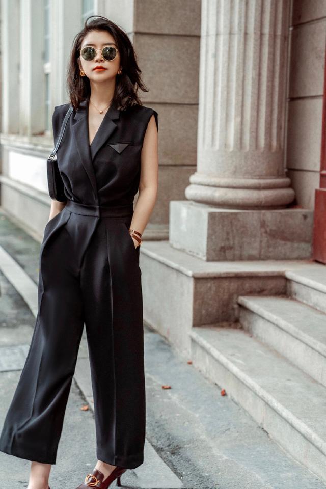 """30+女性的高级感,多来自""""直线条""""单品!超模时尚博主亲身示范"""