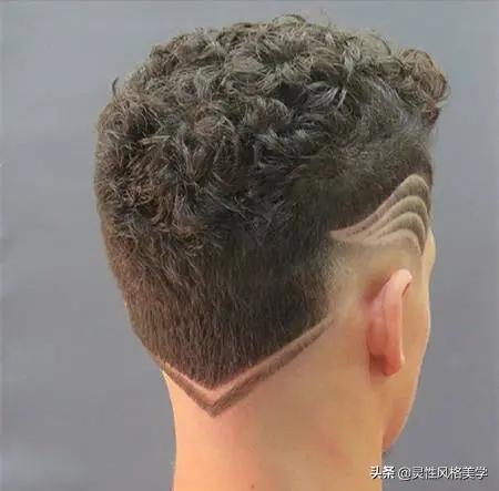 男士雕刻侧面发型