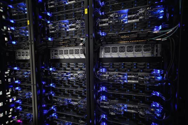 """中国最大服务器厂商浪潮遭英特尔""""断供"""",两周内恢复或存变数"""
