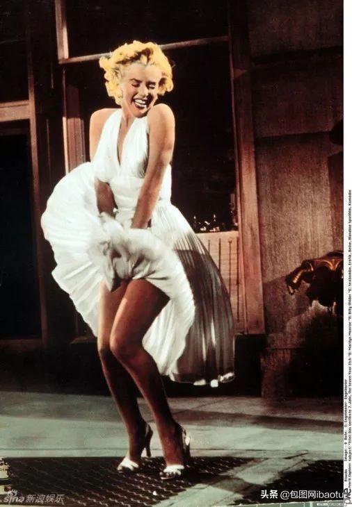 玛丽莲梦露裙子飞起来