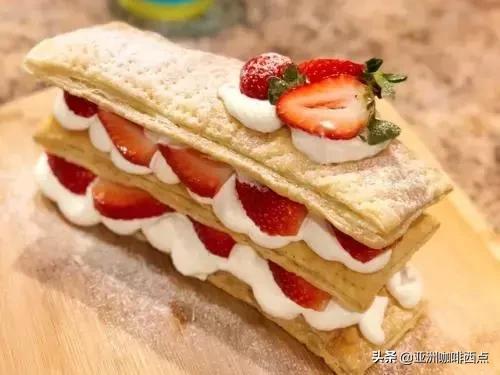千呼萬喚的拿破侖蛋糕制作方法來啦,好吃到渣渣都舍不得扔掉