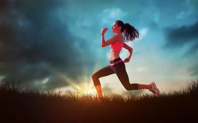 跑步时规律呼吸和随意呼吸,跑起来存在什么差异,健身老手告诉你