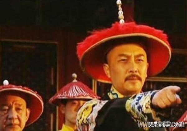 雍正的三儿子弘时,为什么落得被削宗籍的下场?
