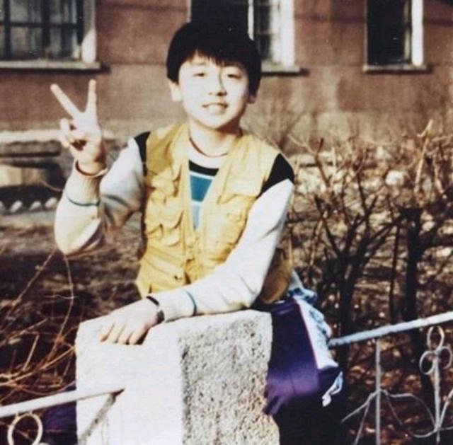 中年爆红的男演员年轻时:沈腾曾是校草,吴京不输当下的小鲜肉