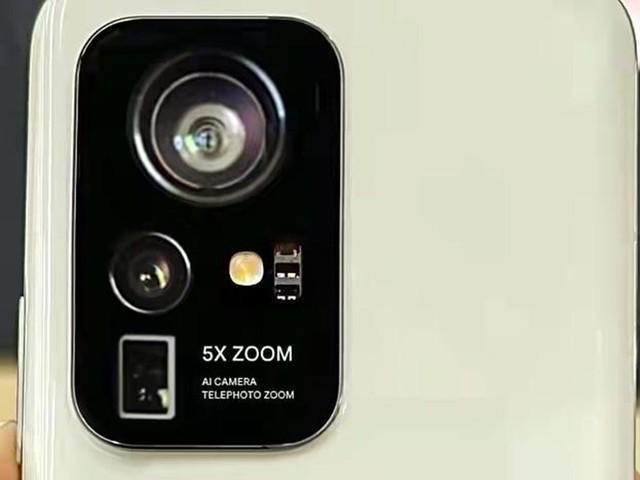 小米12摄像头曝光,这造型有点别致,每个都长得很有特点