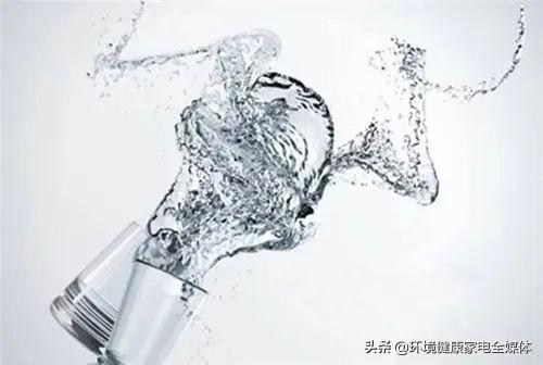 上半年净水器市场规模93.3亿 同比下滑超三成