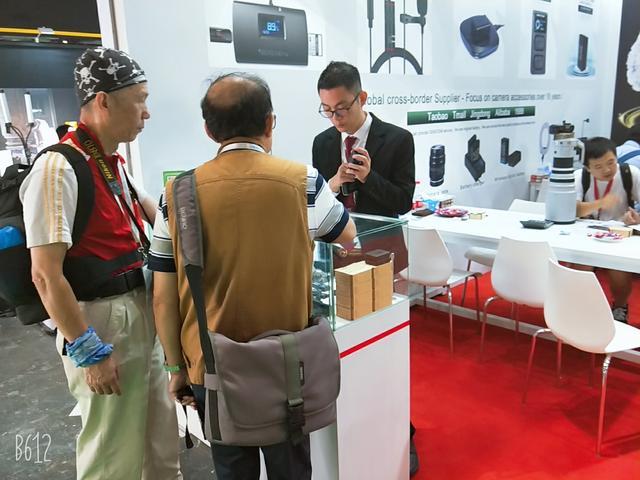 先睹为快!直击Karman快门上海国际摄影器材展现场盛况