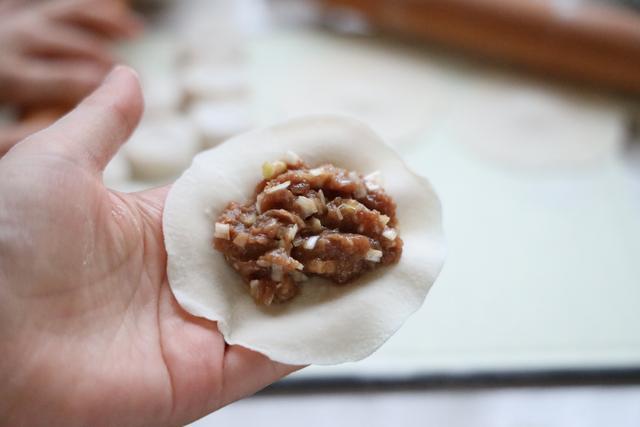 初伏吃饺子,最爱这种做法,鲜美营养,汤汁不流失,伏天吃真好