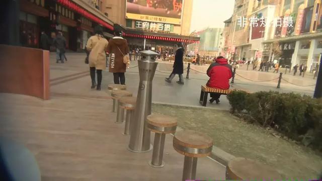 """豪华的万达广场,耗资230亿建造,如今却成为""""空城"""""""