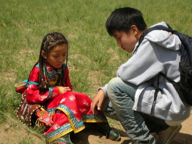 一部被忽略的国产儿童片:《寻找那达慕》,人性的找寻和救赎
