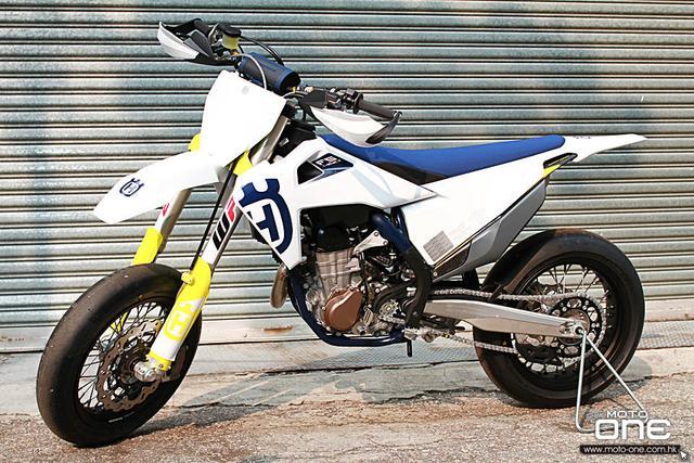 胡斯瓦纳FS450摩托车