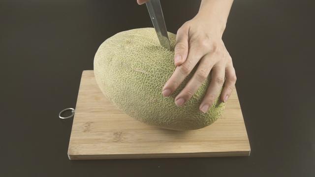 哈密瓜果盘花样切法