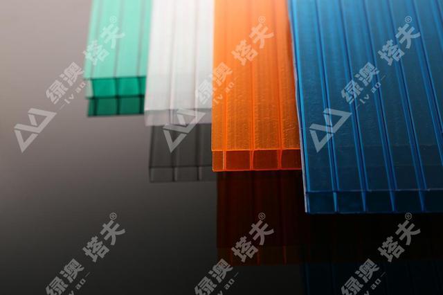 PC阳光板大棚搭建,地域、品质、性能缺一不可