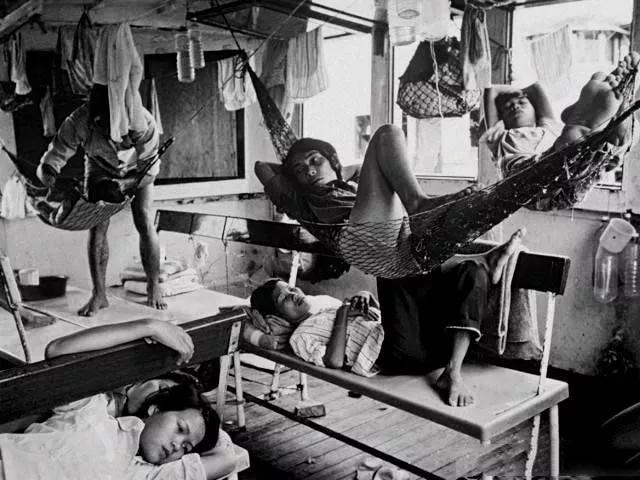 老照片:纪实摄影1990年代,外来工的广深生活