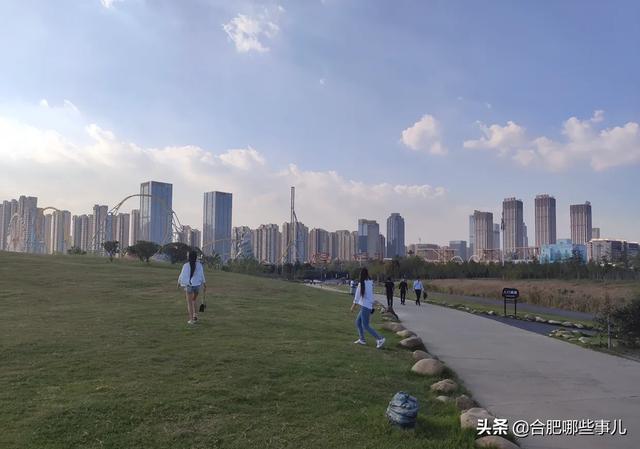 滨湖荣盛华府效果图