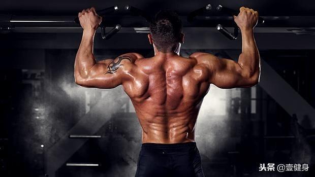 其实健身很简单,按照这4个步骤,练一年让你达到健身3年的水平!