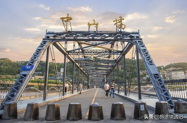 中山桥简笔画