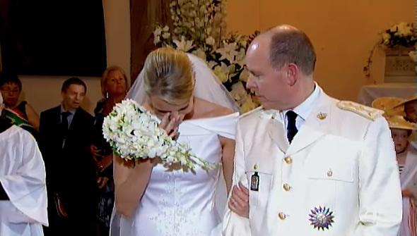 欧洲最美王妃凄惨人生:丈夫私生子成群,她逃婚三次被抓回