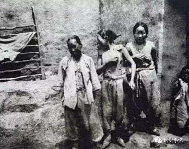 6张珍贵的清朝照片:穷人家媳妇衣不遮体,富人家公子挥霍无度