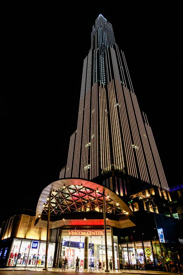 东南亚第一高楼、越南新地标——地标塔81,设计灵感源自'竹子'