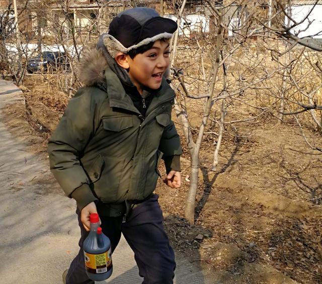 """有种""""爸爸""""叫刘烨,儿子女儿从混血儿变""""混凝土"""",太接地气了"""