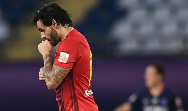 从2-0到2-2!中超垫底队第89分钟被绝平,32岁前国门2次重大失误
