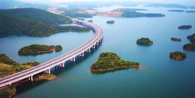 """中国最美""""水上公路"""",全长10.5公里,投资4.4亿,就在湖北"""