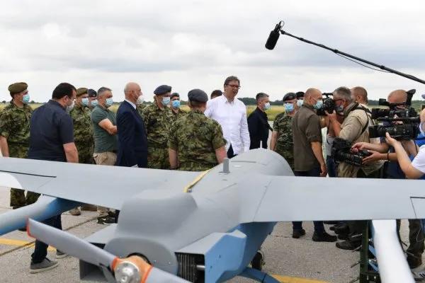 历史性一刻:中国防空导弹第一次卖到欧洲,俄罗斯很惊讶