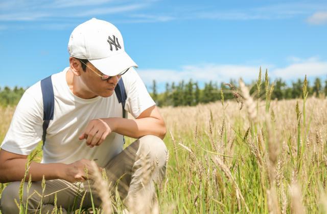 参观尔康周杰现实的家,如今在家养鹅种田,跟淳朴的农民没区别