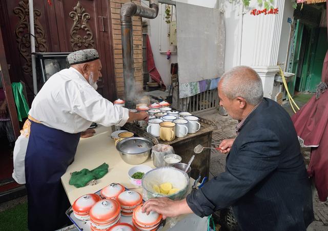 """""""千里排长队""""的喀什人气小吃,带你吃遍这些的才是真爱!"""