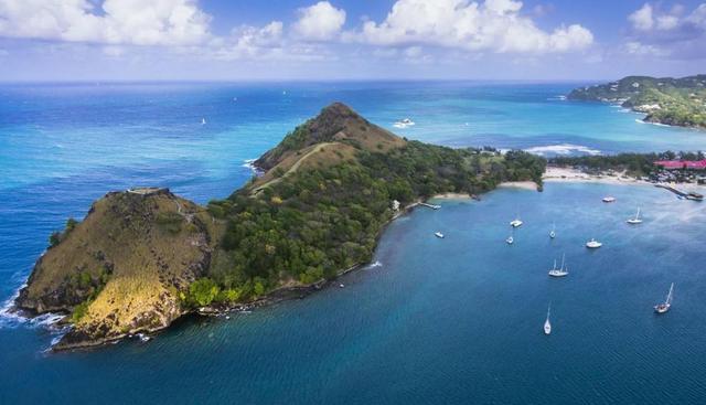 HL圣卢西亚护照、圣卢西亚旅游、旅行爱好者的天堂、圣卢西亚永居