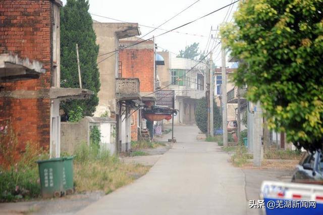 """""""一个都不能少!""""——芜湖鸠江区黑沙洲天然洲1600余名群众撤离"""