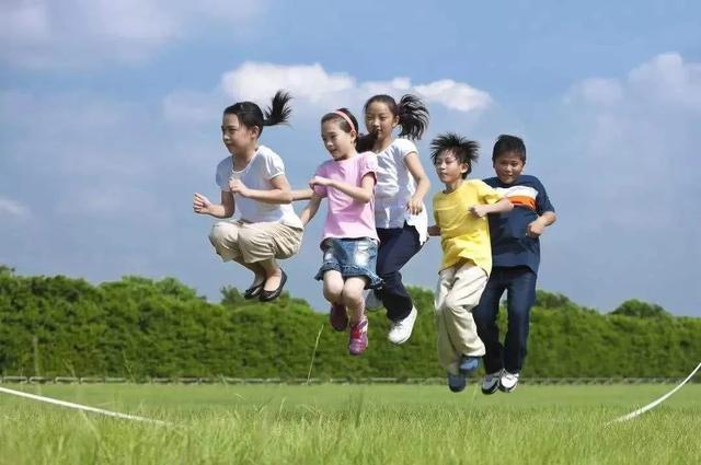 5岁男孩花样俯卧撑,一秒两个,一次可以做2000个