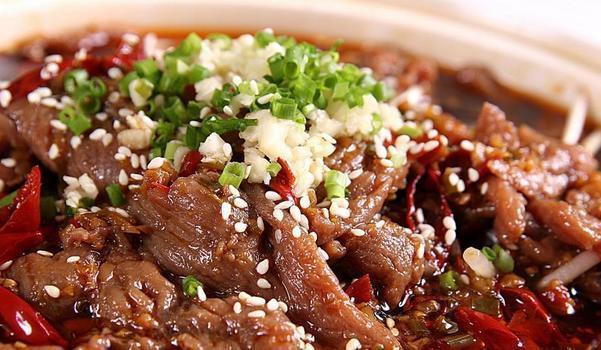 简单易做的牛煮牛肉,在家里就能吃到经典川菜