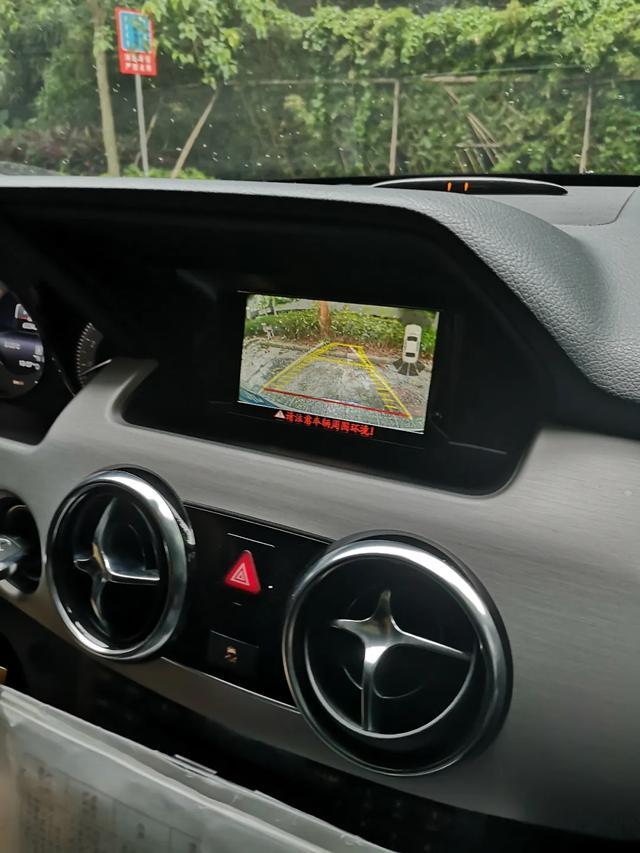 """一款个性十足的中型SUV——奔驰GLK,虽已停产仍有""""岛弹""""偏爱"""
