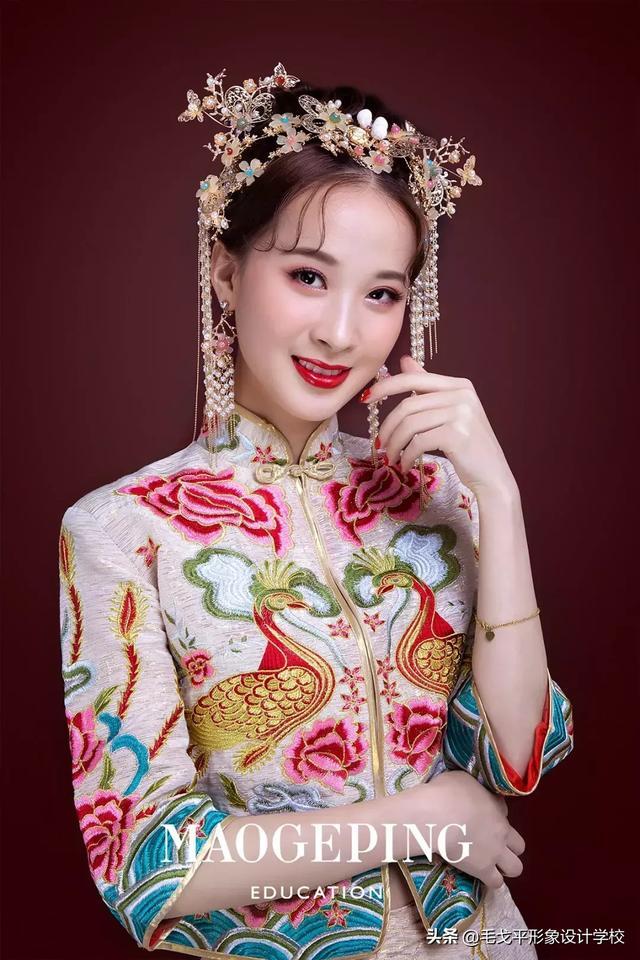 新娘造型|简单易操作的中式新娘发型,尽显东方女性美感