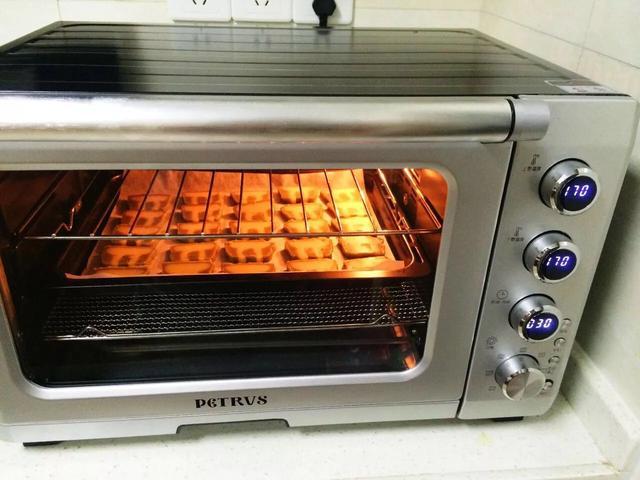 烘焙新手的第一台烤箱该怎么选择?