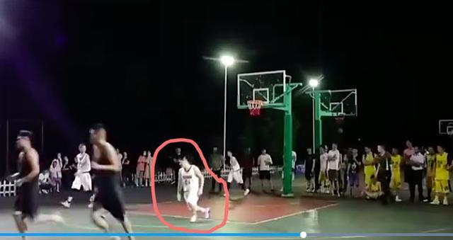 【影片】悲劇!中國業餘比賽球員意外猝死,年僅27歲,網友:可能是Kobe球迷!